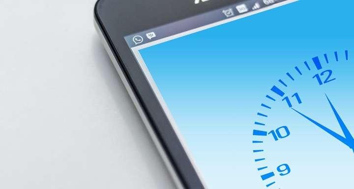 smartphone clock